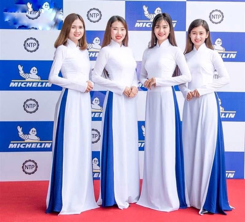 Mẫu áo dài đồng phục công sở áo trắng quần xanh
