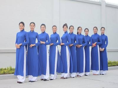 Mẫu áo dài đồng phục công sở màu xanh dương