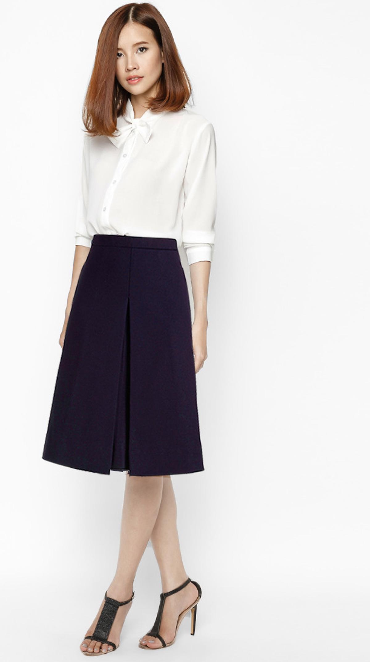 Váy ngắn, áo sơ mi -Mẫu đồng phục giáo viên mầm non đẹp
