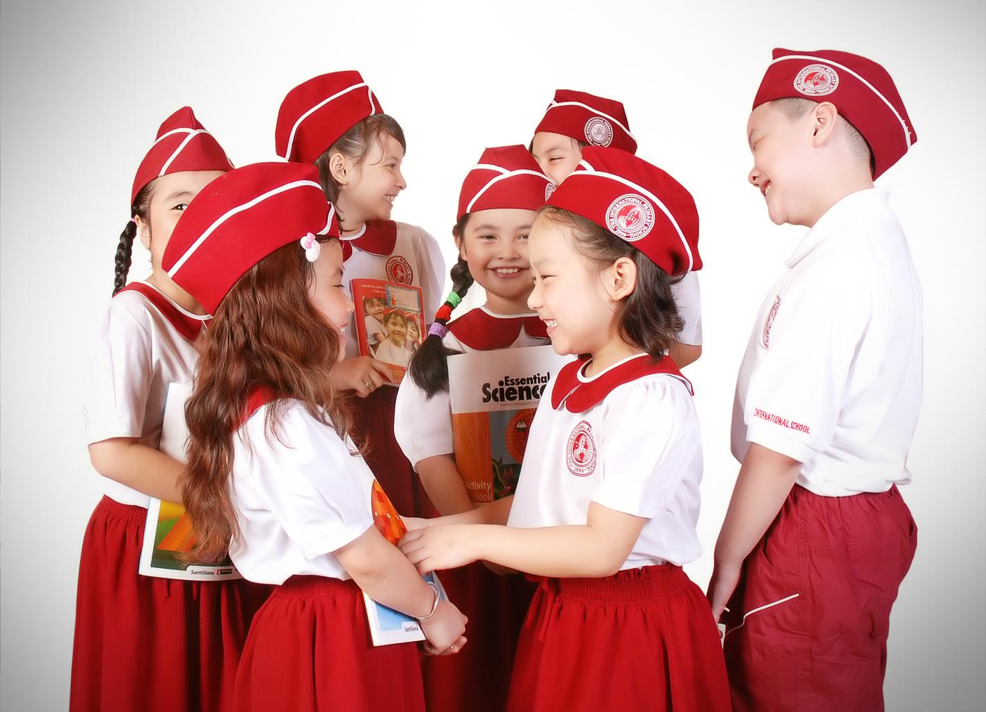 Đồng phục mầm non tại Hà Nội thể hiện tinh thần đoàn kết