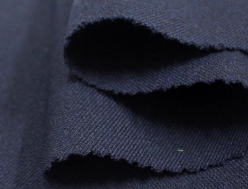 Vải ngựa là chất liệu may quần đồng phục học sinh phổ biến