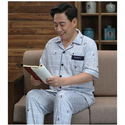 Bộ pijama cho người già họa tiết
