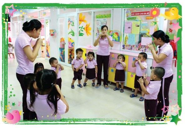 Quần áo đồng phục giáo viên mầm non