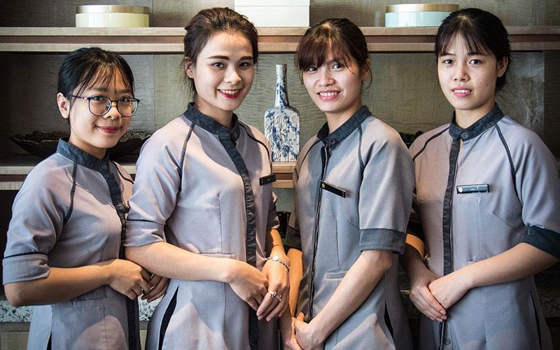 đồng phục buồng phòng khách sạn