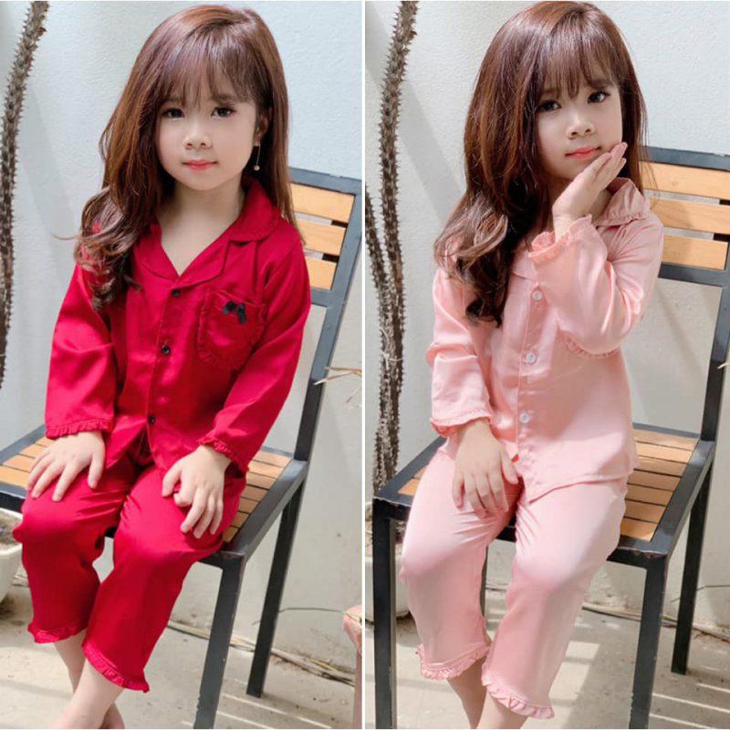 Bộ đồ pijama lụa đơn giản