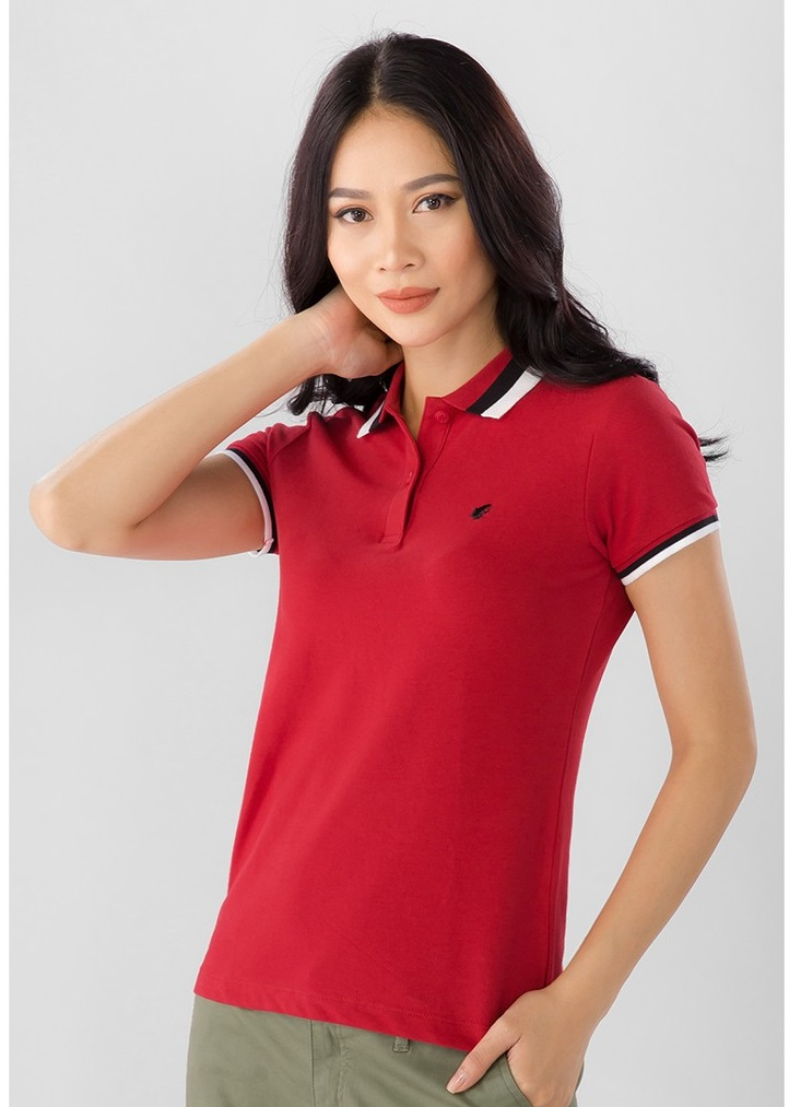 Mẫu áo phông có cổ đẹp màu đỏ cho nàng
