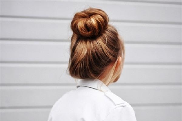 Kiểu tóc búi cao cho học sinh khi mặc áo dài