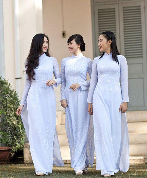 Áo dài học sinh màu trắng xanh