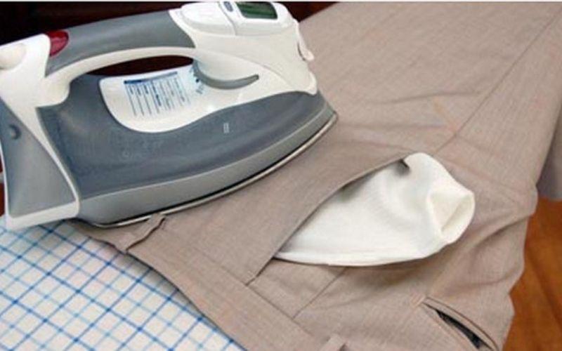 Ủi túi quần là bước quan trọng đầu tiên