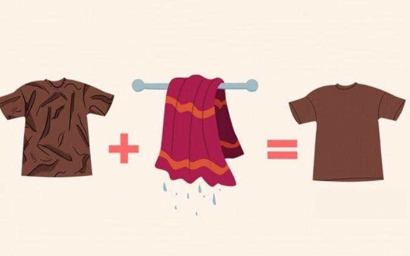Làm phẳng quần áo bằng khăn ướt