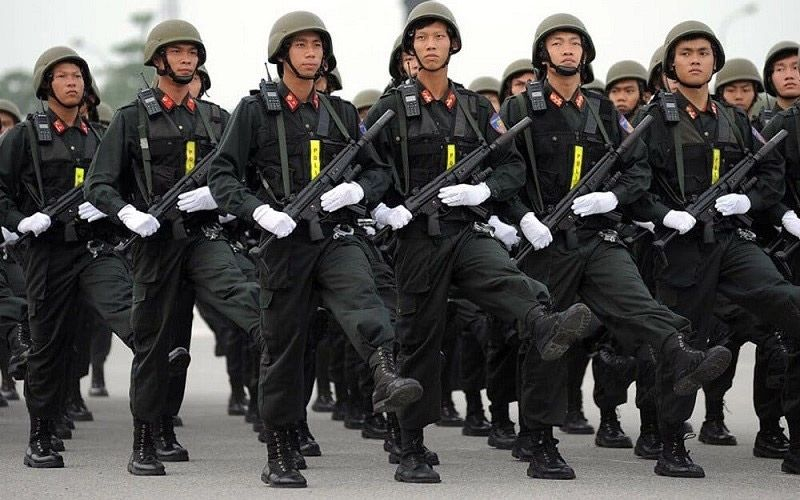 Đồng phục cảnh sát cơ động