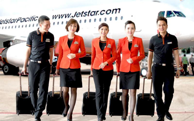 Đồng phục tiếp viên hàng không Jetstar Pacific Airlines